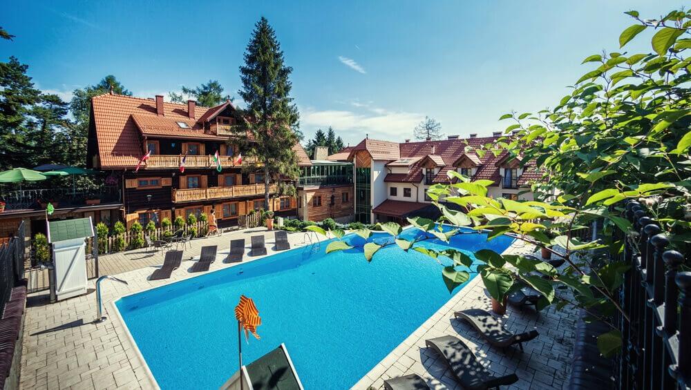 Basen w hotelu Modrzewiówka